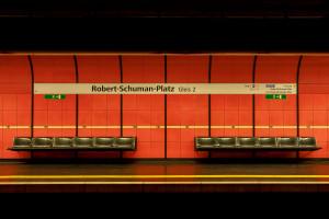 E.Klein_U_Bahn_20_Robert_Schumann_Platz