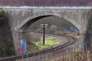 Gerhard-Becker-10_Eisenbahnbrücke-bei-Rech