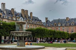 Paris-14-Place-des-Vosges